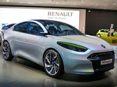 956_Renault_Fluence_ZE30.09.2010